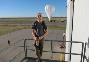 NASA astrobiologist David J. Smith at the NASA Columbia Scientific Balloon Facility in Fort Sumner, New Mexico, in August 2014.
