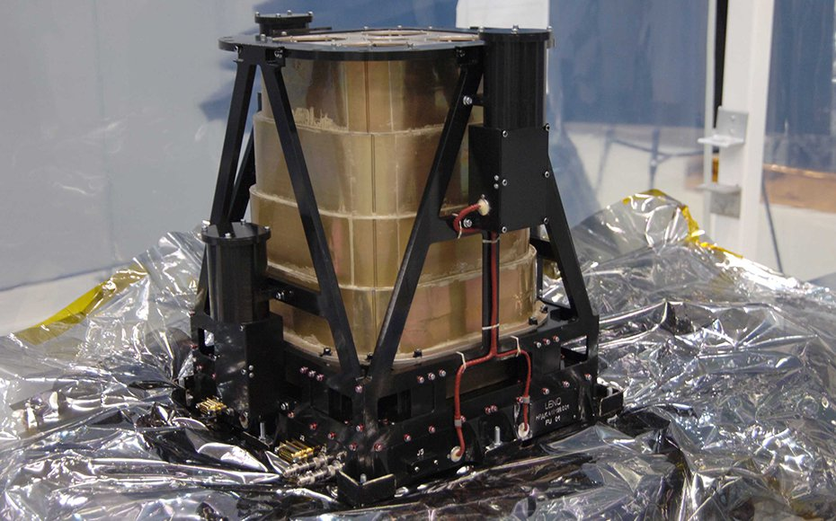 LRO Instruments: Lunar Exploration Neutron Detector