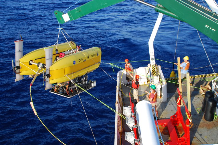 The hybrid remotely-operated vehicle Nereus was used to collect seafloor samples, in addition to remotely operated vehicle Jason II, at Piccard vents at Mid-Cayman Rise.