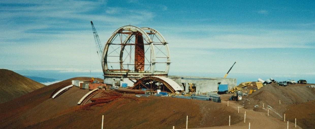 Building of the Keck telescope back in 1987. This shot is an early view of the construction process.