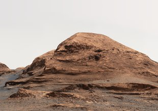 "'Rafael Navarro Mountain': NASA's Curiosity Mars rover used its Mastcam to take an image of this mountain, nicknamed ""Rafael Navarro Mountain"" after the astrobiologist Rafael Navarro-González, who worked on the mission until he passed away Jan. 26, 2021."